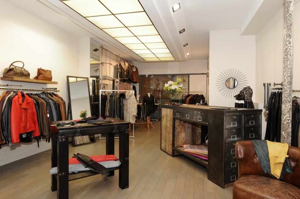 Décoration complète d'une boutique de prêt à porter à Paris (Marais)